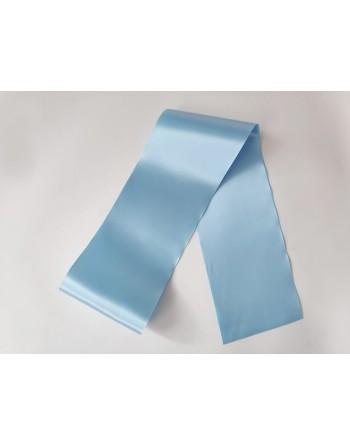 Světle modrá saténová šerpa