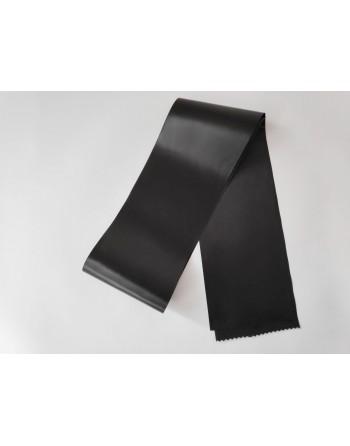 Černá saténová šerpa